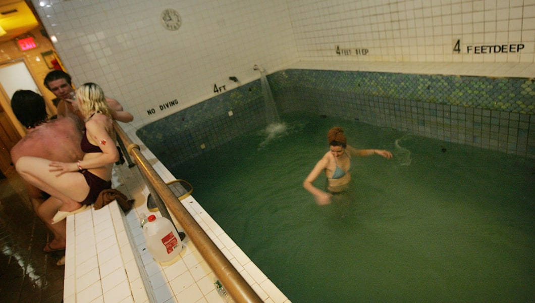 Russian And Turkish Bath House Hosts Valentine's Day Party
