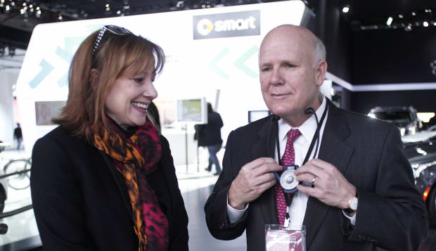 GM incoming CEO Mary Barra and outgoing Chairman and CEO at the 2014 North American International Auto Show
