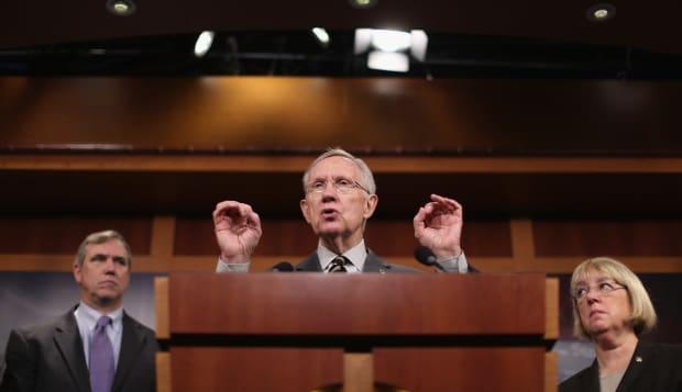 Senate Democrats Urge Passage Of Minimum Wage Fairness Act