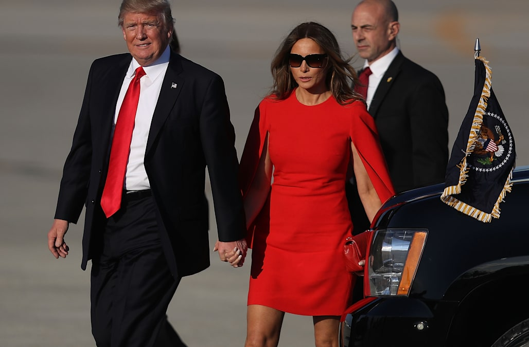 2ae99cfc8d1fc Melania Trump was spotted earlier this week after her and President Trump  arrived on the Air Force One at the Palm Beach International Airport.