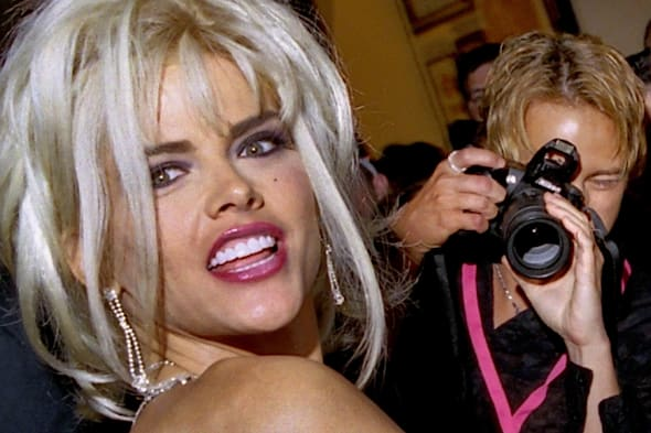 Feb 08, 2007 - Hollywood, FL, USA - ANNA NICOLE SMITH, the voluptuous blonde whose life played out as an extraordinary tabloid t