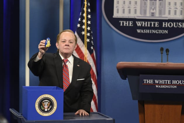 """Melissa McCarthy depicted Sean Spicer many times on """"Saturday Night"""