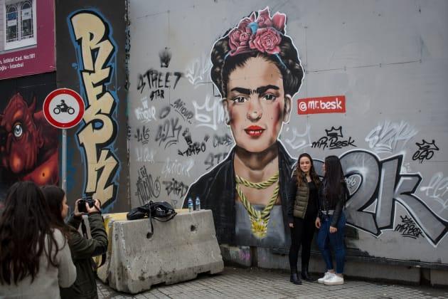 Mural con la imagen de la artista en EstambuI, Turquía, el 22 de febrero de 2017. CHRIS MCGRATH/GETTY IMAGES