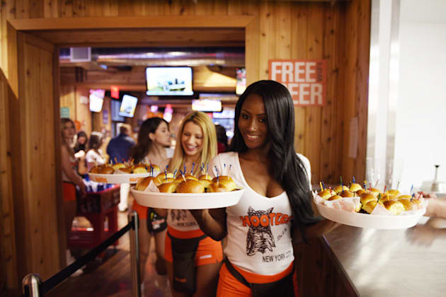 'Breastaurants' Are Hurting Employees' Mental
