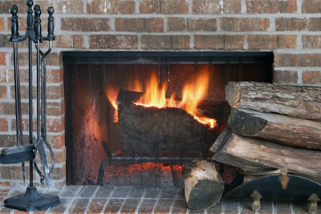 Fireplaces Pros And Cons Of Wood Gas And Electric Aol Finance