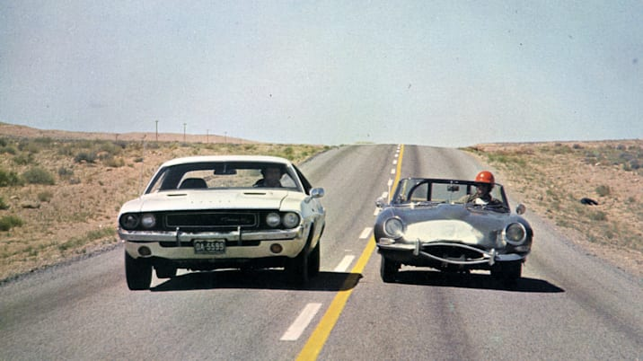 VANISHING POINT 1971 TCF film with the 1970 Dodge Challenger car at left