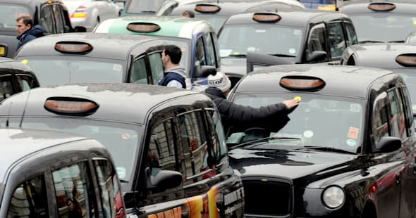 Taxi protest over minicab plan