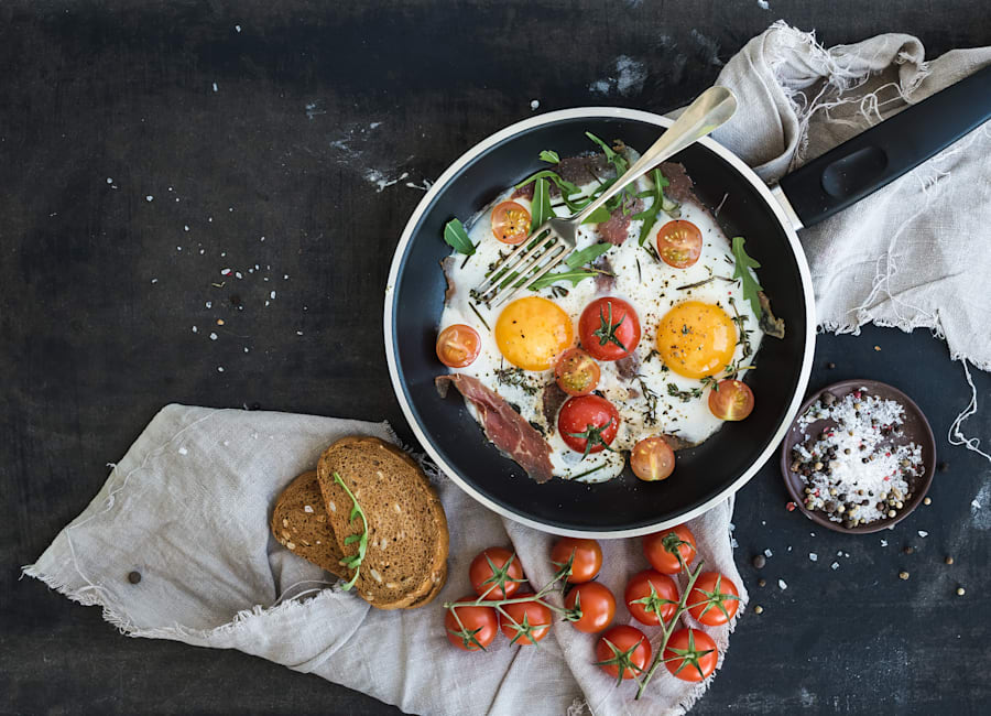 Aim for your brekkie to contain a balance of carbs, protein and healthy