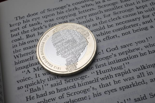 Charles Dickens 2 coin