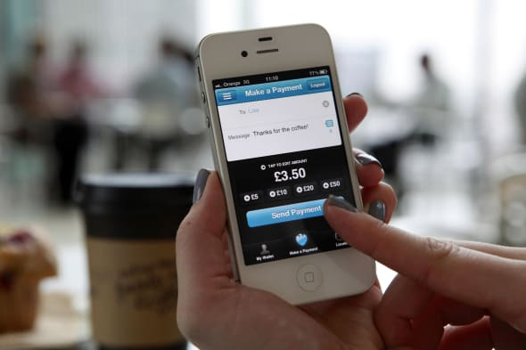 Mobile phone and internet banking transactions have reached nearly £1 billion a day, according to a new report