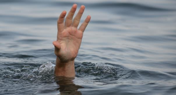 hand drowning