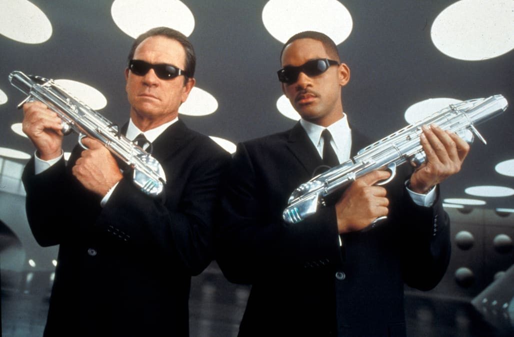 MEN IN BLACK 2 (2002) TOMMY LEE JONES, WILL SMITH MIB2 004