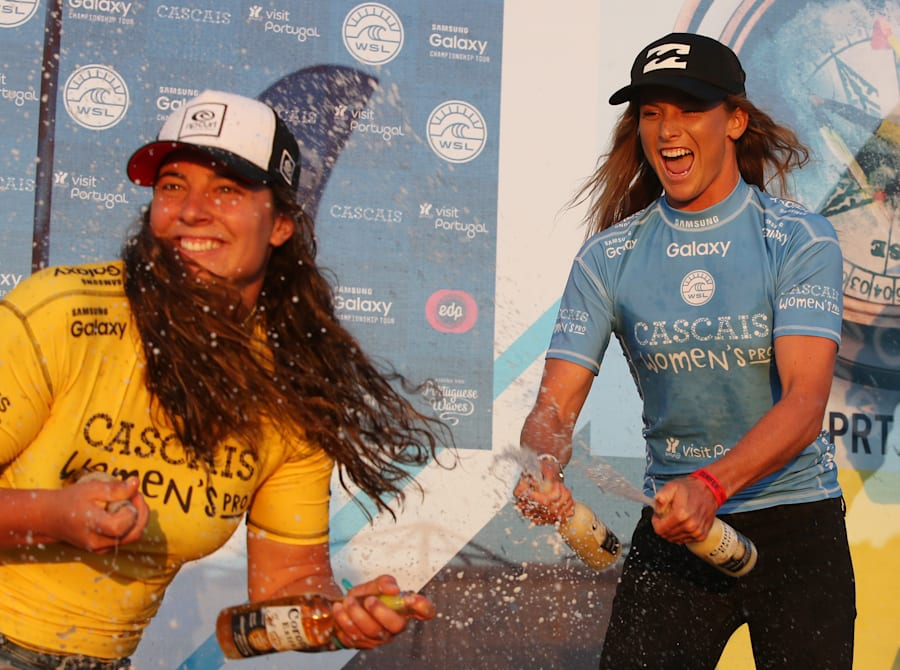 The surfing life looks like a bunch of misery, doesn't it. That's Wright on the left, finishing second...