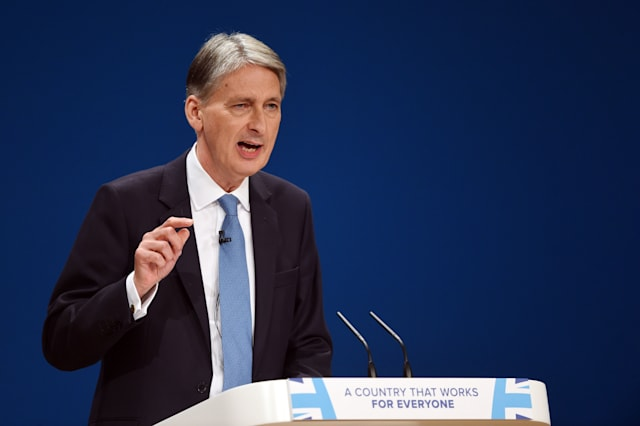 Pension scam clampdown announced by Philip Hammond