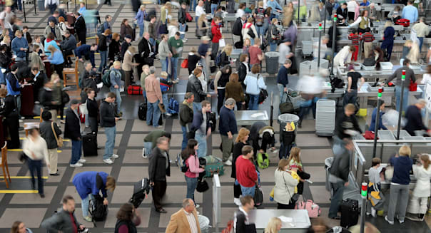 Thanksgiving Travelers Brave One Of Busiest Travel Day Of Year
