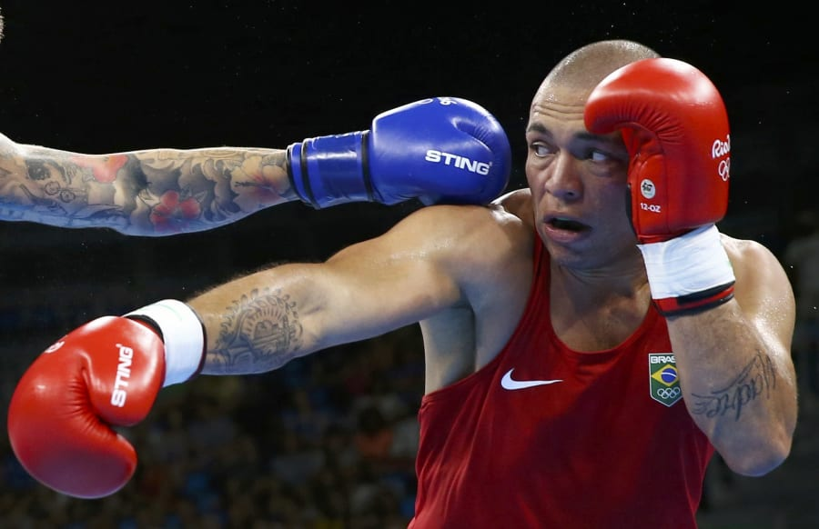 Aussie Olympic boxer Jason Whateley competes at Rio wearing STING boxing