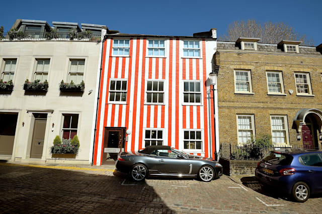 Woman told she can keep 'candy' stripes on Kensington house