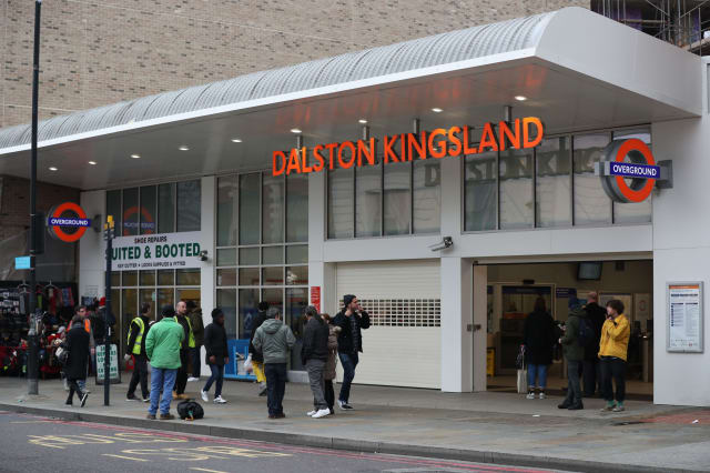 Dalston Kingsland train evacuation