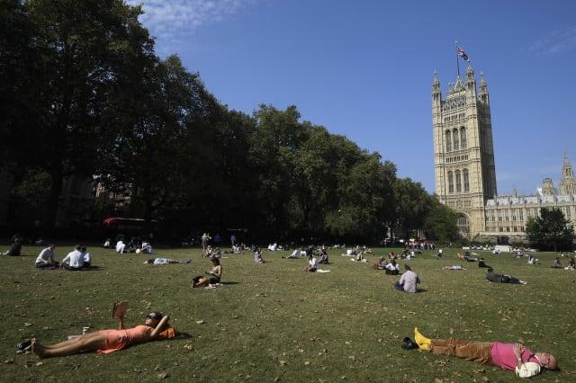 Summer's not over yet! 'Heatwave' to return this weekend