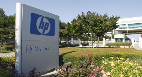 HP Third-Quarter Forecast Misses Estimate; 27,000 Jobs to Be Cut
