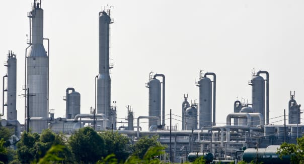 Natural Gas Drops To Five-Month Low After U.S. Stockpile Report