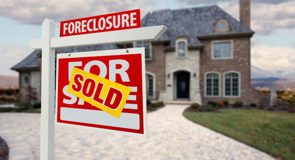 Mortgage Collectors Gag Homeowners in Loan Deals