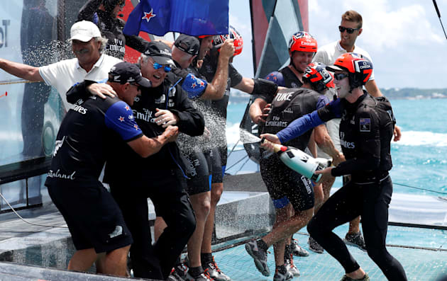 Kiwi PM Embarrassingly Ecstatic In Pyjamas As Team New Zealand Wins America's