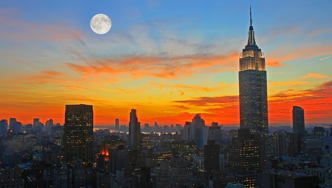 new york city midtown skyline...