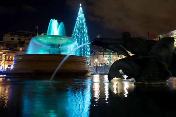 BRITAIN-NORWAY-CHRISTMAS-TREE