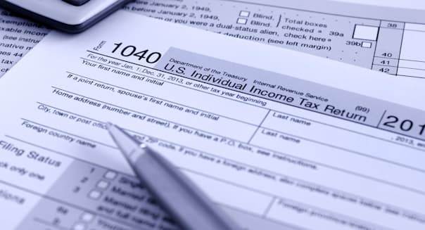 United States federal income tax return IRS 1040 documents