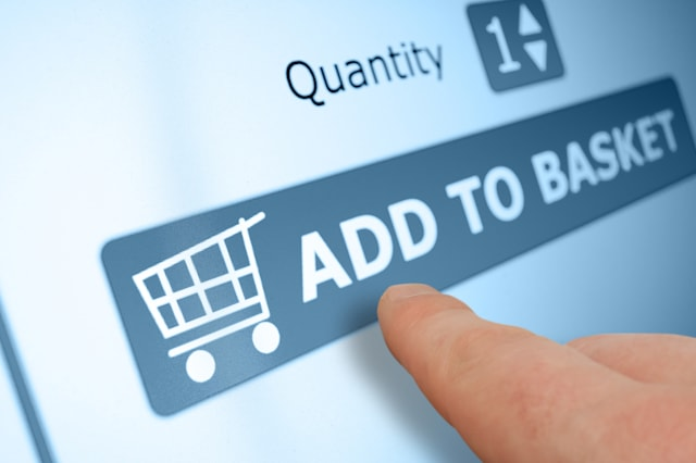 online shopping   finger...