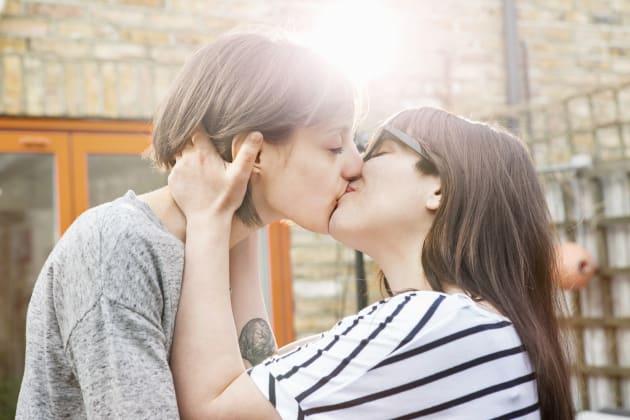 Pour la journée internationale du baiser: 8 raisons qui prouvent qu'il est bon pour la
