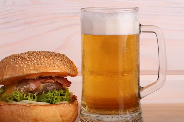 beer with burger