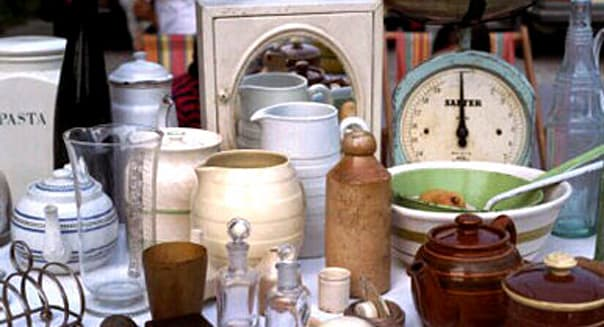 Flea market stand Suggest: IS061-053, stall, stalls, stand, stands, market, markets, flea market, flea markets, antique, antique