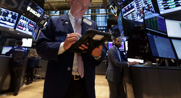 new york stock exchange traders Wall Street investing stocks economy