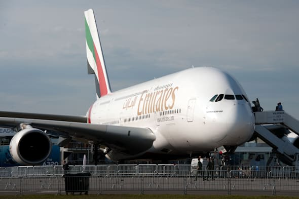 Emirates plane forced to abort landing at Manchester Airport due to windy weather