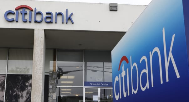 Earns Citigroup