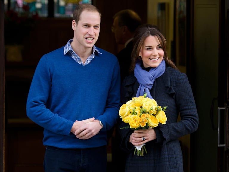 Kate Middleton Prince william announce pregnancy, leave hospital