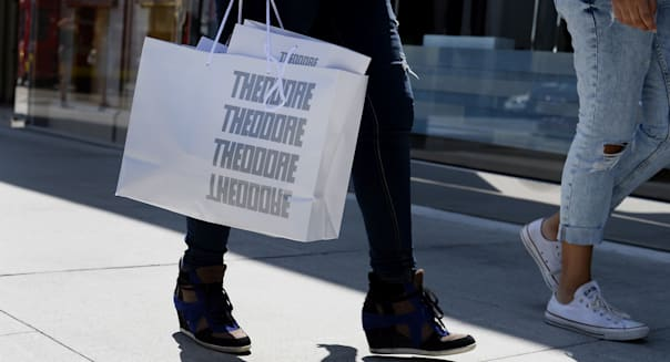 Shoppers On Rodeo Drive Ahead Of Consumer Confidence Figures