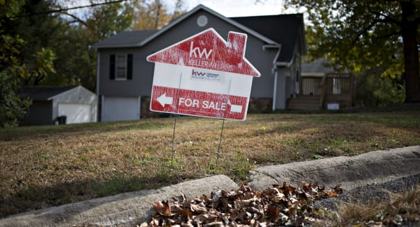 Existing U.S. Home Sales Rise to Second-Highest Since 2007