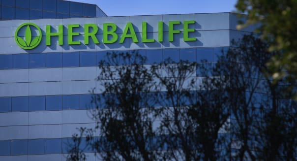 Herbalife Boosts Share Buyback as Profit Exceeds Estimates