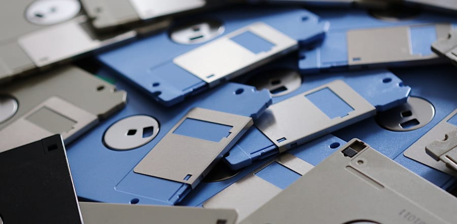 If you don't know what this is, you're in your early 20s. If you still use USBs, for the love is less...