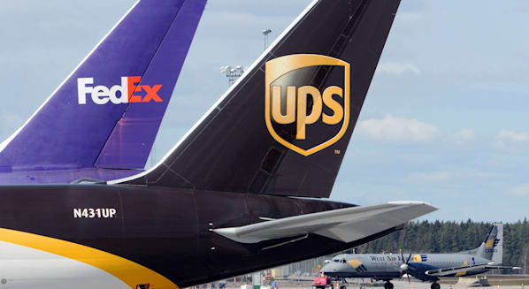 fedex ups shipping international package delivery logistics transportation