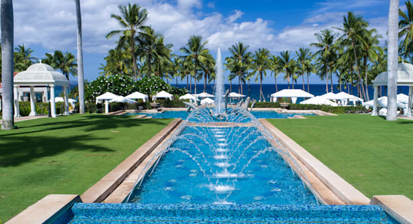 Reflecting pool and fountains at the Grand Wailea Hotel, Wailea, Maui, Hawaii, USA
