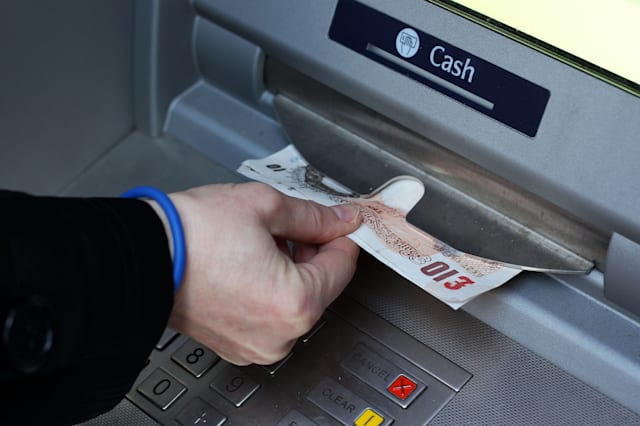 Free current accounts 'cannot last'