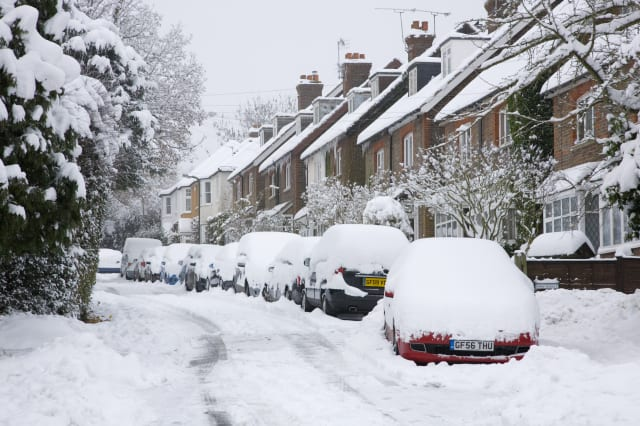Arctic blast to bring snow and gales to Britain this week