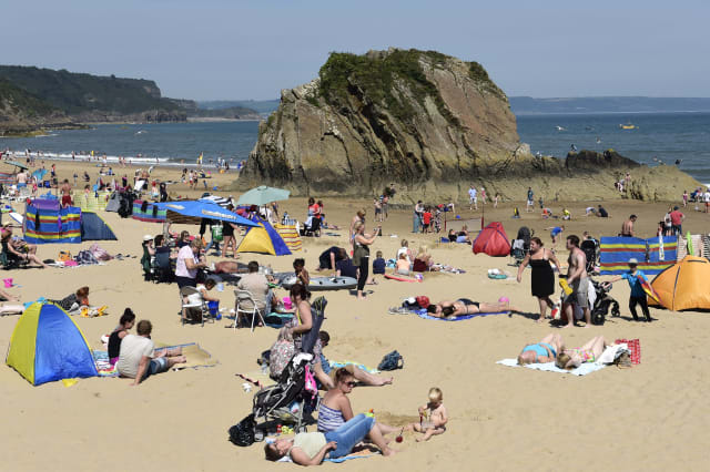 August 'hottest on record' and warm weather to continue