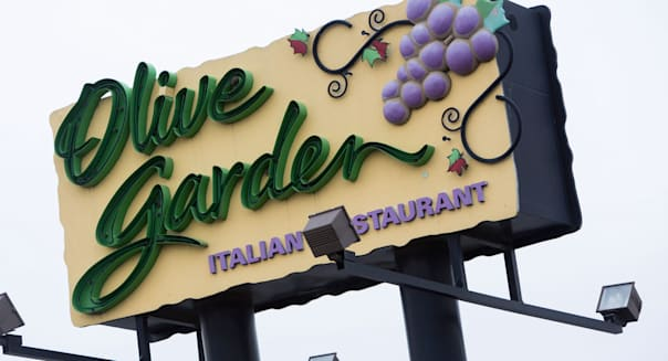 An Olive Garden casual dining chain restaurant.