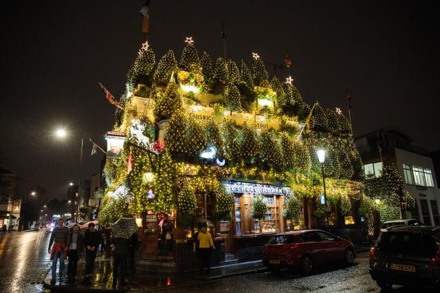 Kensington's The Churchill Arms Lights Up For Christmas