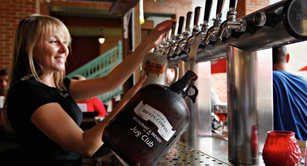 Feb. 3, 2012 - DANIEL WALLACE   |   Times.TP_349643_WALL_beerlaws_6 (02/03/2012  Tampa) Tampa Bay Brewing Company bartender Vala